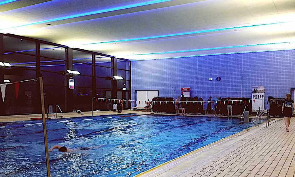Neoprenanzug Testschwimmen Routine