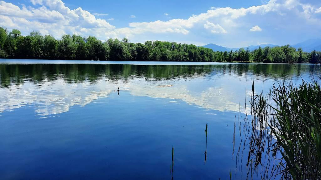 Einfach idyllisch: Der Happinger See
