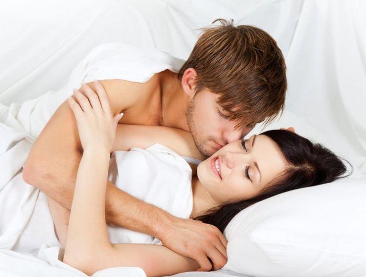 Jak bawić się w łóżku - zapytaj się seks coacha Marty Niedźwieckiej