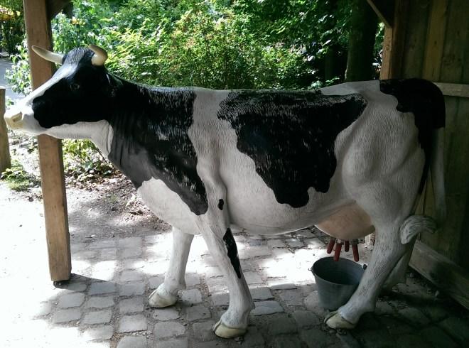 Auch Kühe melken kann man hier!
