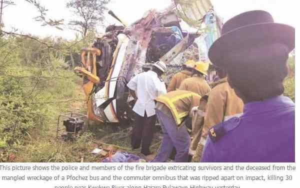 30 die in Kwekwe road accident