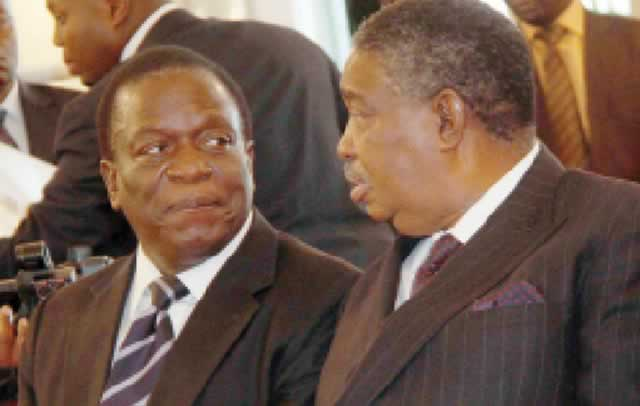 VIDEO: DRAMA as ZACC cops attempt to arrest Mphoko at  his house