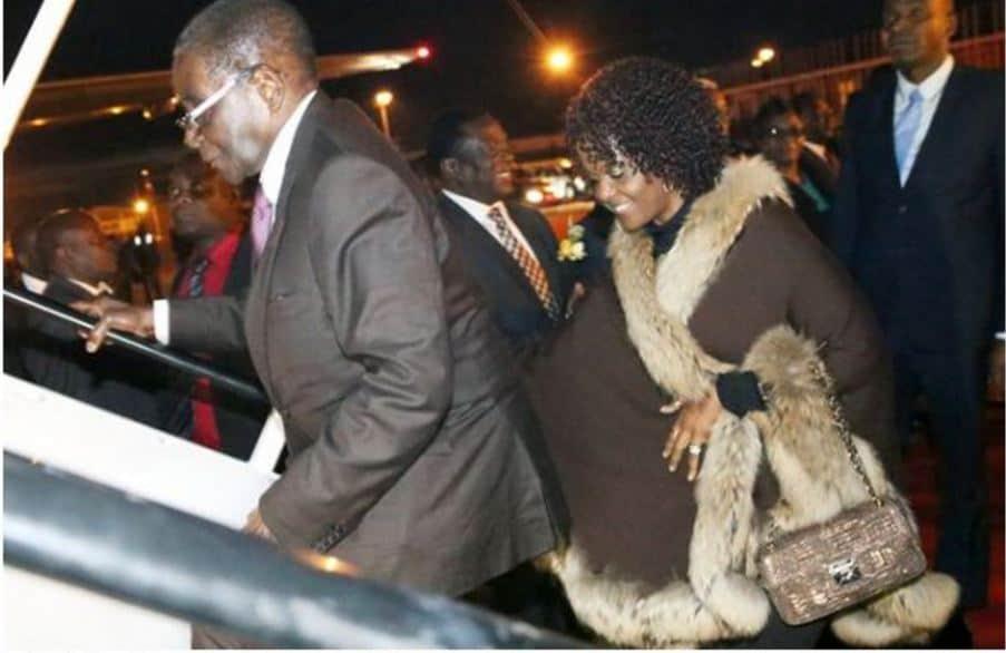 Mugabe off for 2016-17 annual medical-health leave, Back in Feb, Mnangagwa 'already ruling'