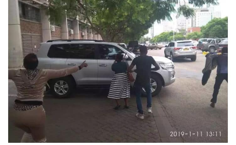 LATEST PICTURES: Mthuli Ncube flees protesting teachers