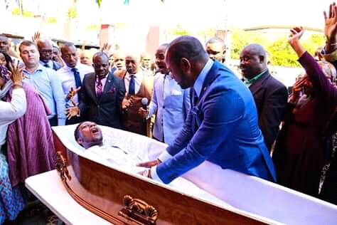 South Africa: Did Pastor Alph Lukau resurrect dead Zim man in live video??