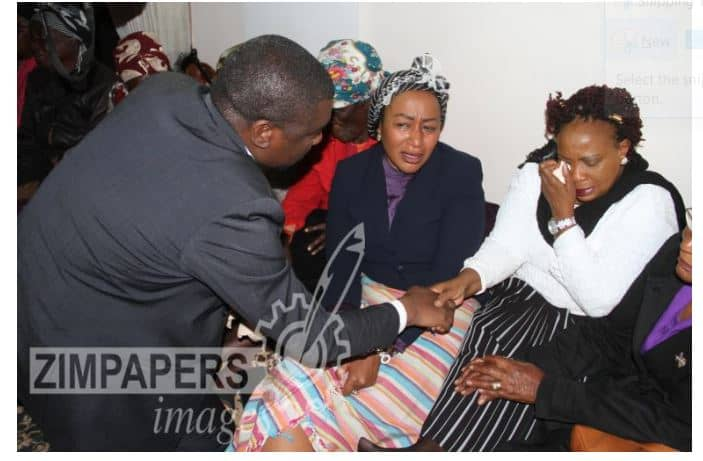 Chamisa consoles Mnangagwa's wife: PICTURES