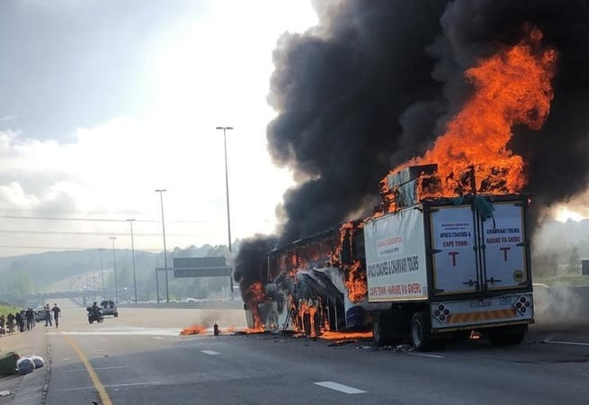 Cape Town to Zimbabwe bus catches fire on N1 in Joburg: VIDEO, PICTURES
