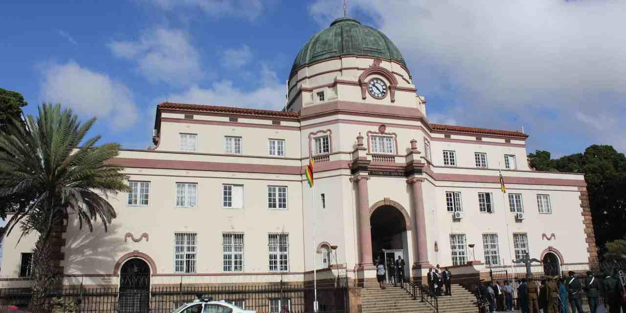 HANDIENDE: Defiant tenant refuses to vacate, destroys landlord's property