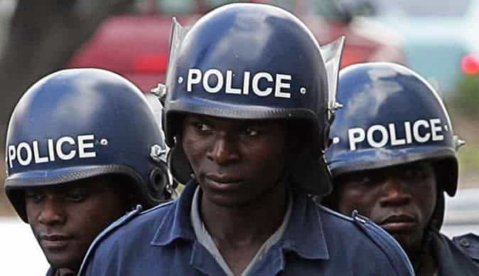 ANTI-RIOT Police targeting Informal Motor Spare Dealers 'Arbitrarily' Arrest Registered Shop Owners in Kaguvi Street