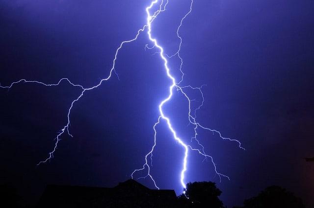 Violent storm destroys six schools in Mat' South