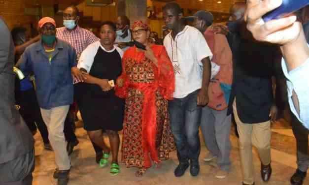Watch Video: Thokozani  Khupe goes Bezek after Douglas Mwonzora is elected MDC-T president at Harare Congress