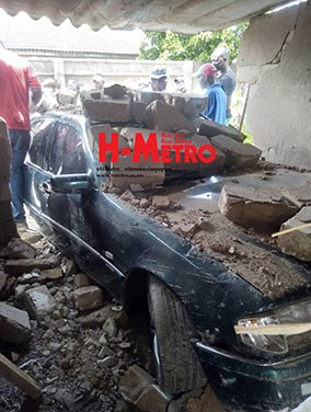 Mercedes Benz drives into house..PICTURES