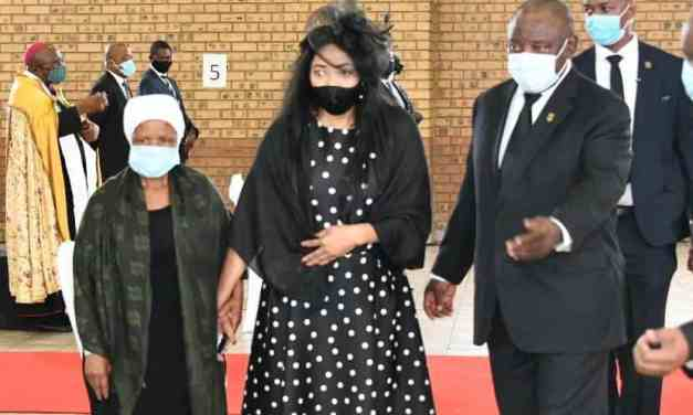 Jackson Mthembu's wife, Daughters pay tribute at emotional funeral..Pictures