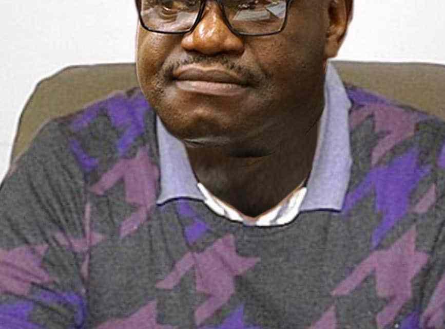 Mangwana apologises to the doctors, Jonathan Moyo takes him on