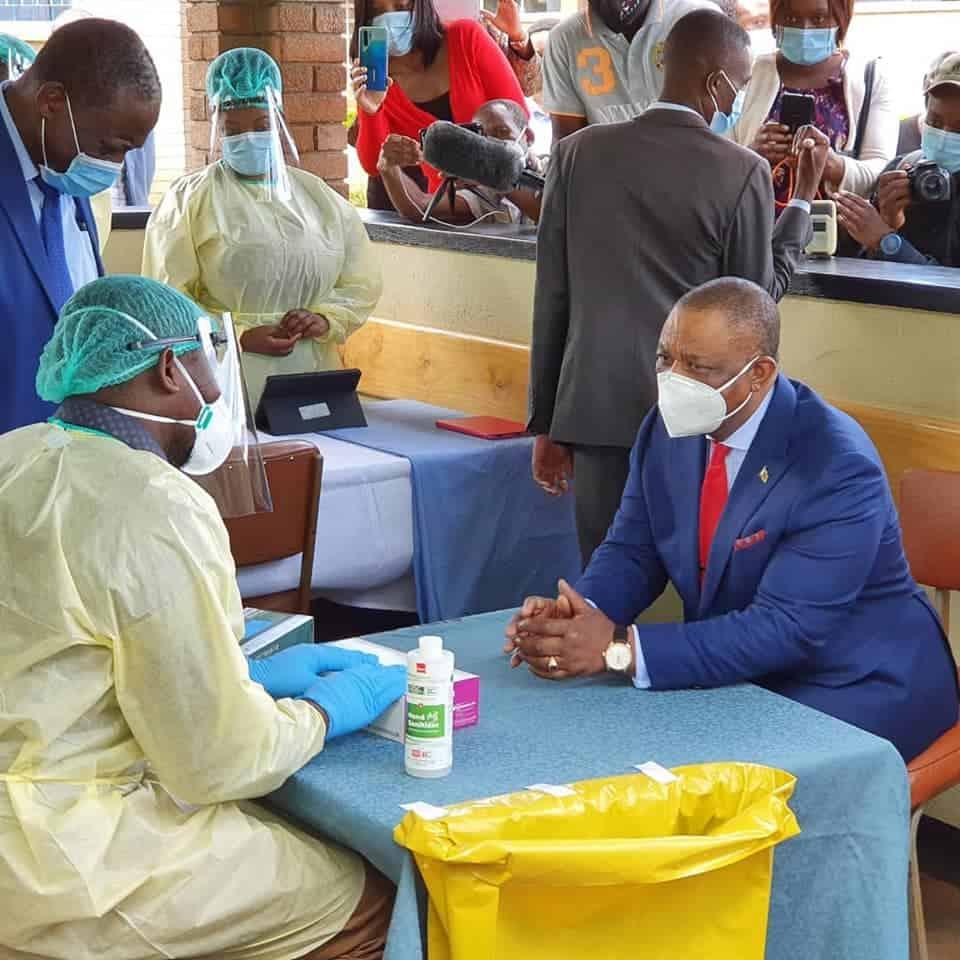 chiwenga vaccinated zim