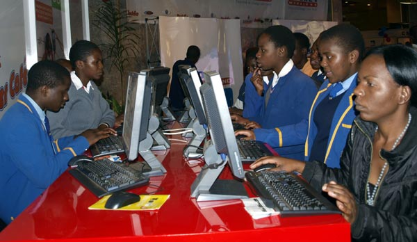 Government to offer free internet access to 400 schools