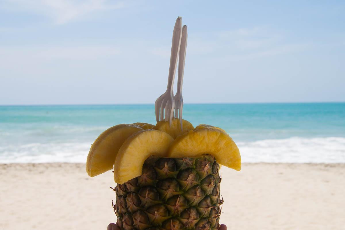 Ananas naplaży wMeksyku - pyszne!