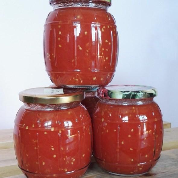 Pomidory w słoiku