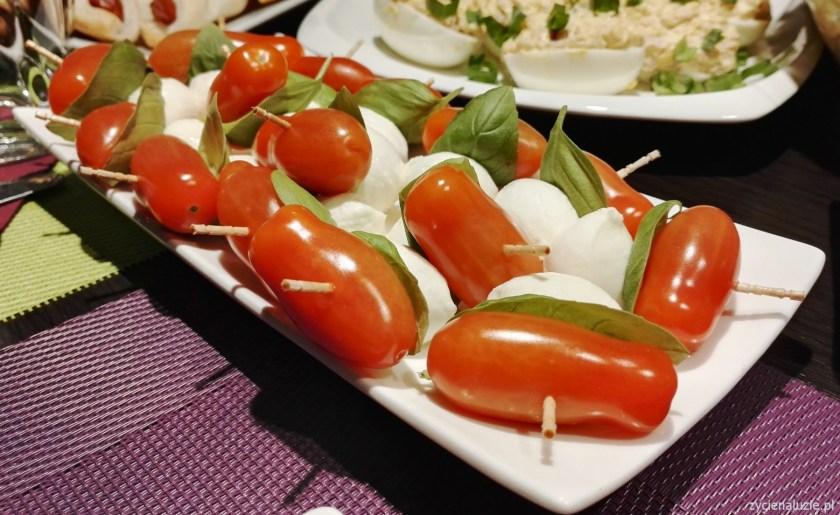 Koreczki z mozzarellą