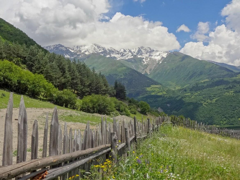 Mestia Swanetia panorama Gruzja co zwiedzić i zobaczyć