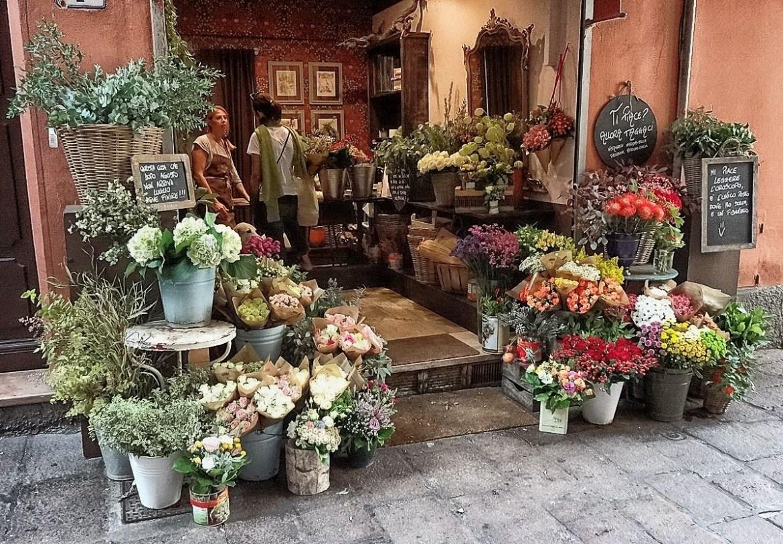 Kwiaciarnia w centrum Bolonii