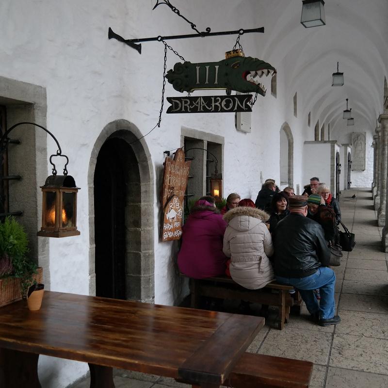 III Draakon, Tallin
