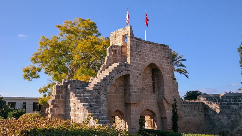 OpactwoBellapais Cypr Kirynia Co zwiedzić i zobaczyc na cyprze północnym blog ruiny