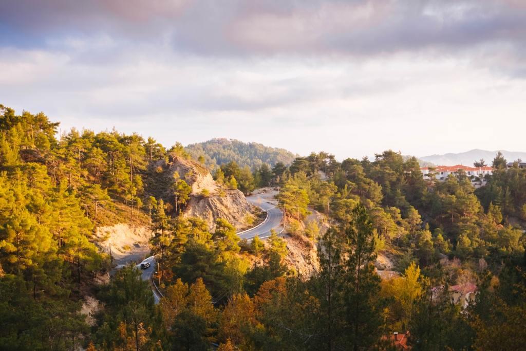 cypr drogi góry co zobaczyć zwiedzanie cypru