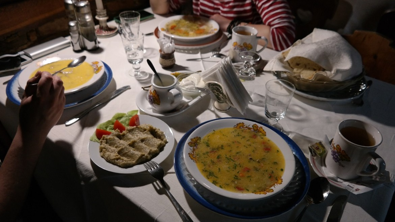 Pyszne jedzenie w Crama Sibiul Vechi
