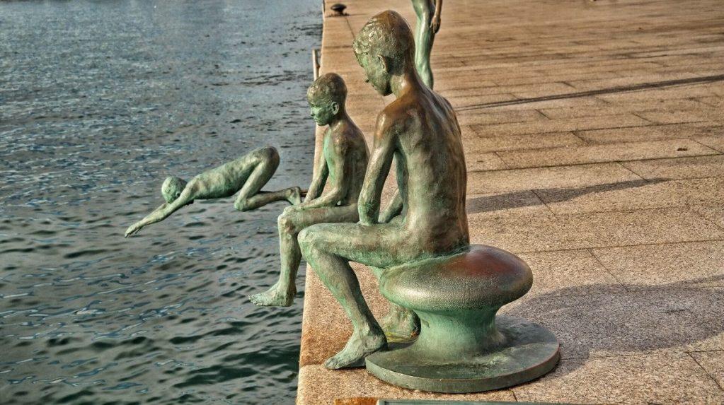 Rzeźba na promenadzie