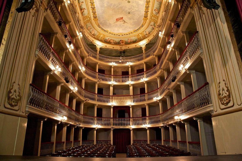 Wnętrze Teatro Lethes