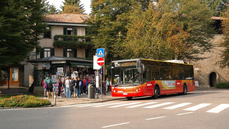 Colle Aperto Bergamo transport atb lotnisko stare miasto