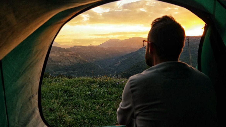 Góry Albania namiot zachód słońca co zobaczyć w Albanii