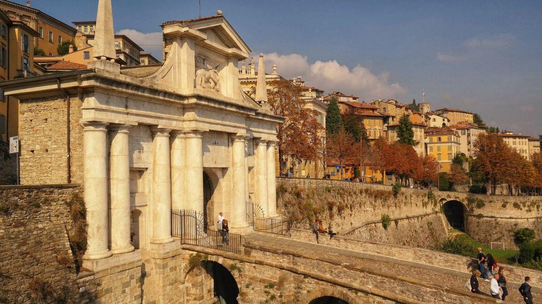 Porta San Giacomo Bergamo co zwiedzić w Bergamo