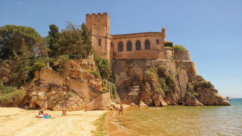 Zamek Castle of São João do Arade Portimão Algarve zachodnie Portugalia
