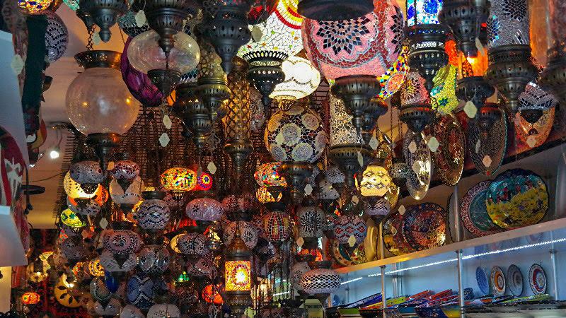 Kirynia-Cypr-północny-turecki-co-zwiedzić-i-zobaczyć-na-cyprze-zwiedzanie-cypru-blog-port-sklepy