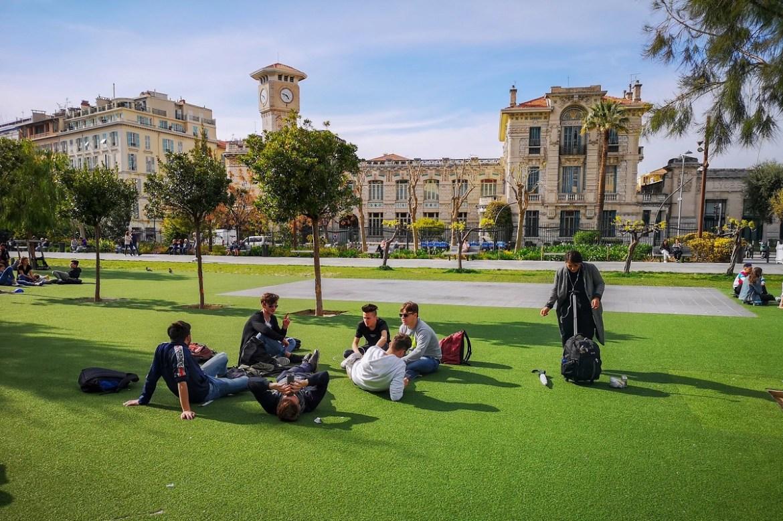 Nicea co zwiedzić i zobaczyć w nicei zwiedzanie Nicei park odpoczynek weekend blog