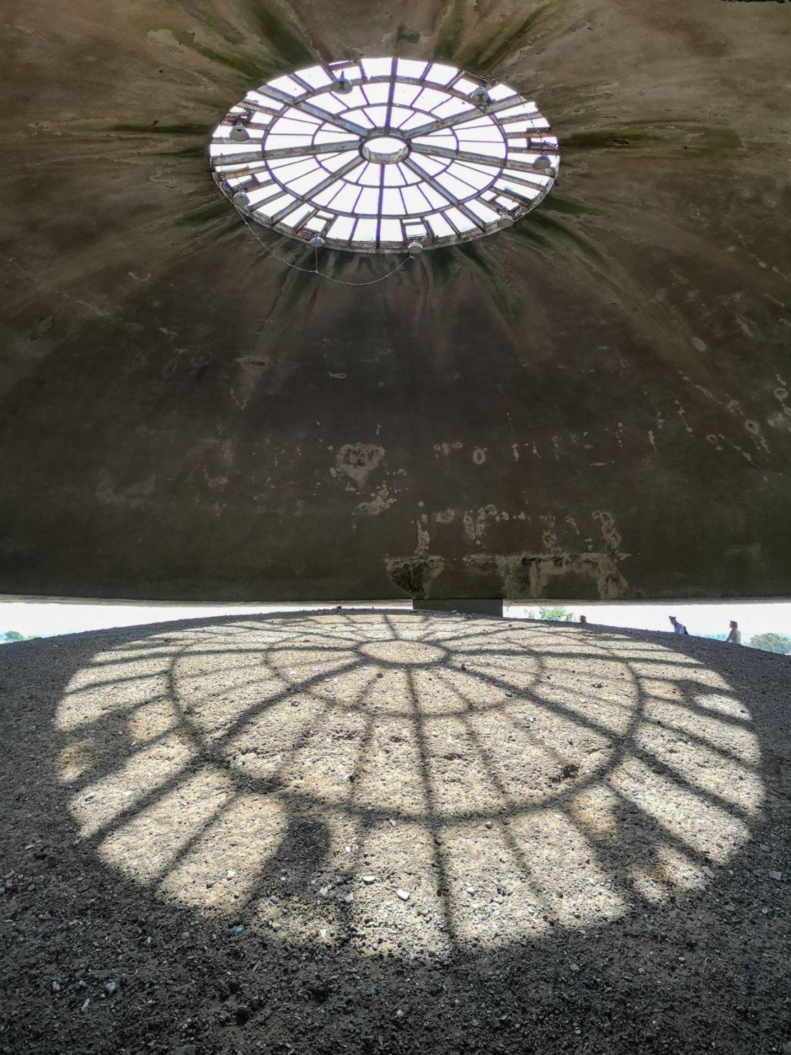 mauzoleum na majdanku obóz zagłady lublin