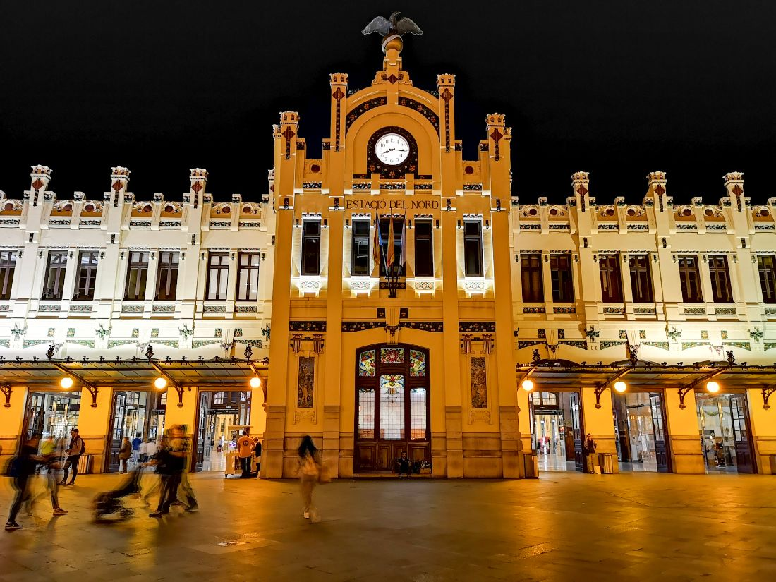 Dworzec kolejowy / València Nord