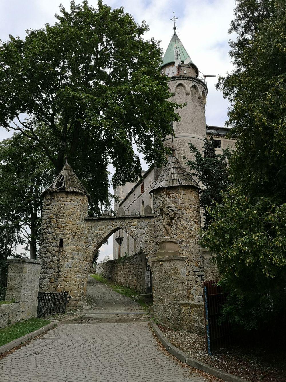 Wzgórze Szczytnik i Zamek Leśna Skała dolny śląśk zwiedzanie blog podróżniczy