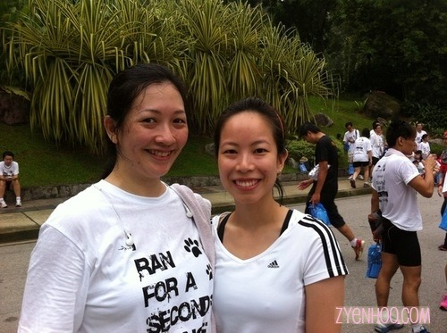 Bumped into Melody here! She was running many rounds around the lake (and not for the charity run) while I was struggling through my two rounds :D