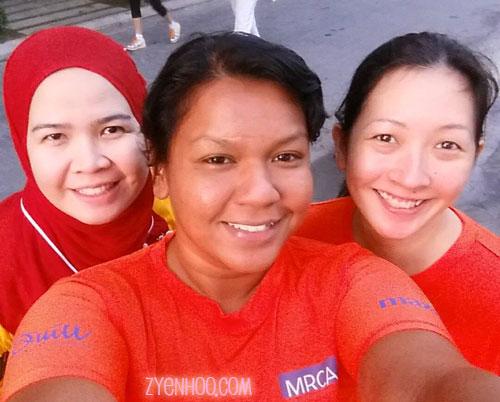 Selfie before the run! Wan, Farah, and me
