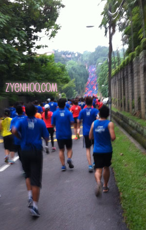 OMG! Can you see the steep hill ahead?? The one that's covered in a sea of orange and blue shirts!
