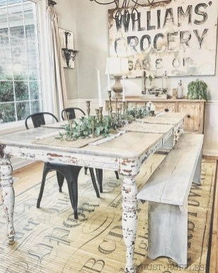 Adorable Family Dining Room Decorating Ideas 15
