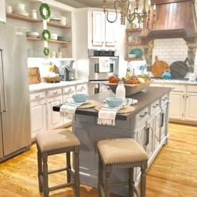 Adorable Rustic Farmhouse Kitchen Design Ideas 32