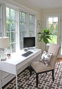 Cozy And Elegant Office Décor Ideas 18