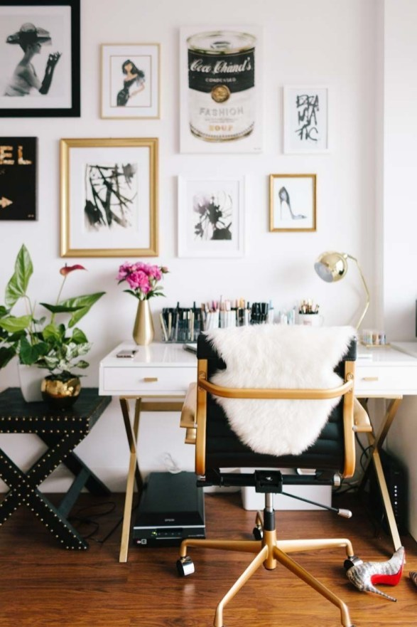 Cozy And Elegant Office Décor Ideas 37