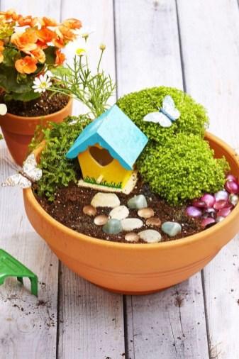 Creative DIY Patio Gardens Ideas On A Budget 34