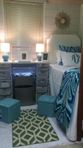 Efficient Dorm Room Organization Decor Ideas 18