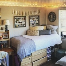 Efficient Dorm Room Organization Decor Ideas 27